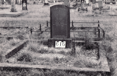 Historic picture of Makaraka cemetery, block MKI, plot 616.