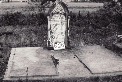 Historic picture of Makaraka cemetery, block MKI, plot 626.