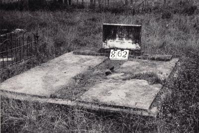 Historic picture of Makaraka cemetery, block MKI, plot 862.
