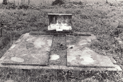 Historic picture of Makaraka cemetery, block MKI, plot 862.