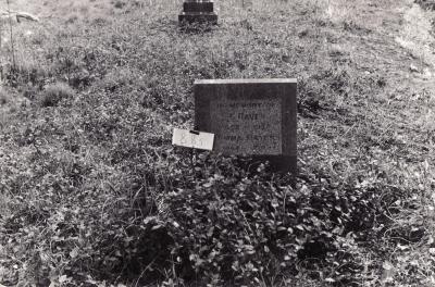 Historic picture of Makaraka cemetery, block MKK, plot 885.