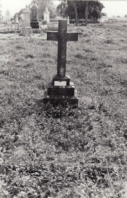 Historic picture of Makaraka cemetery, block MKK, plot 891.