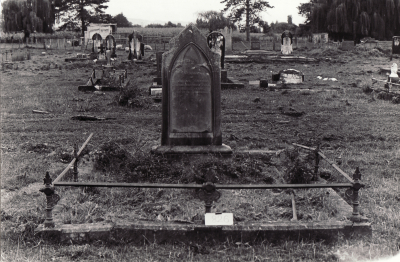 Historic picture of Makaraka cemetery, block MKL, plot 826.