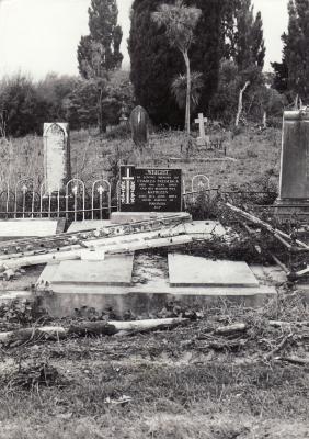 Historic picture of Makaraka cemetery, block MKL, plot 830.
