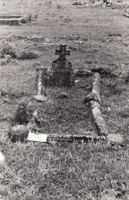 Historic picture of Makaraka cemetery, block MKL, plot 838.