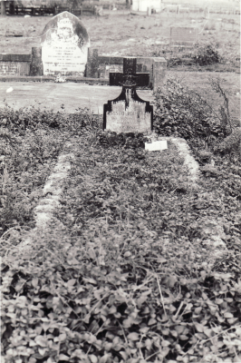 Historic picture of Makaraka cemetery, block MKL, plot 843.