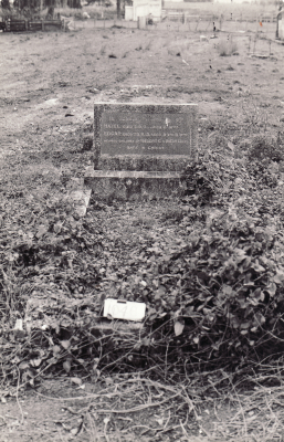 Historic picture of Makaraka cemetery, block MKM, plot 1046.