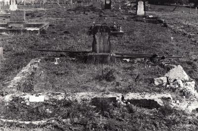 Historic picture of Makaraka cemetery, block MKM, plot 1055.