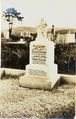 Historic picture of Makaraka cemetery, block MKM, plot 1438.