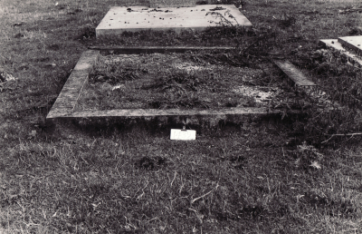 Historic picture of Makaraka cemetery, block MKM, plot 1439.