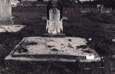 Historic picture of Makaraka cemetery, block MKM, plot 1440.