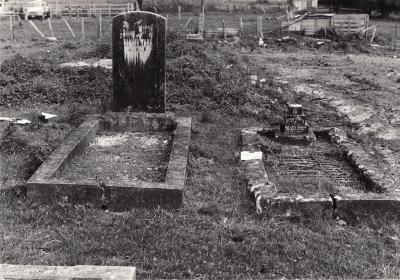 Historic picture of Makaraka cemetery, block MKM, plot 1445.