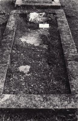 Historic picture of Makaraka cemetery, block MKM, plot 1452.