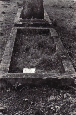 Historic picture of Makaraka cemetery, block MKM, plot 1566.