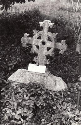 Historic picture of Makaraka cemetery, block MKOLD, plot 37.
