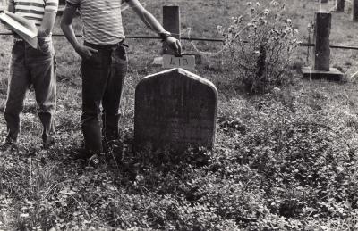 Historic picture of Makaraka cemetery, block MKOLD, plot 41.