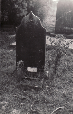 Historic picture of Makaraka cemetery, block MKOLD, plot 53.