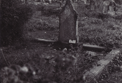 Historic picture of Makaraka cemetery, block MKOLD, plot 58.