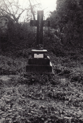 Historic picture of Makaraka cemetery, block MKOLD, plot 63.